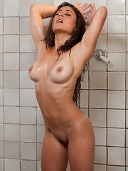 Aubrey Taylor - takes a hot shower and gets playful with her fingers