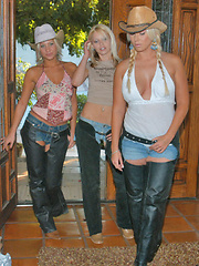 3 sexy rodeo babes get frisky after they go riding