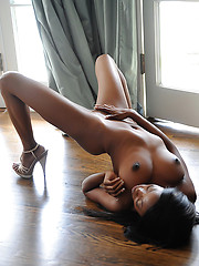 Skinny ebony babe Courtney