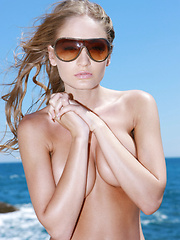 High end models need time to rest from all the runway work, and what better then a hot beach for a full body tan.